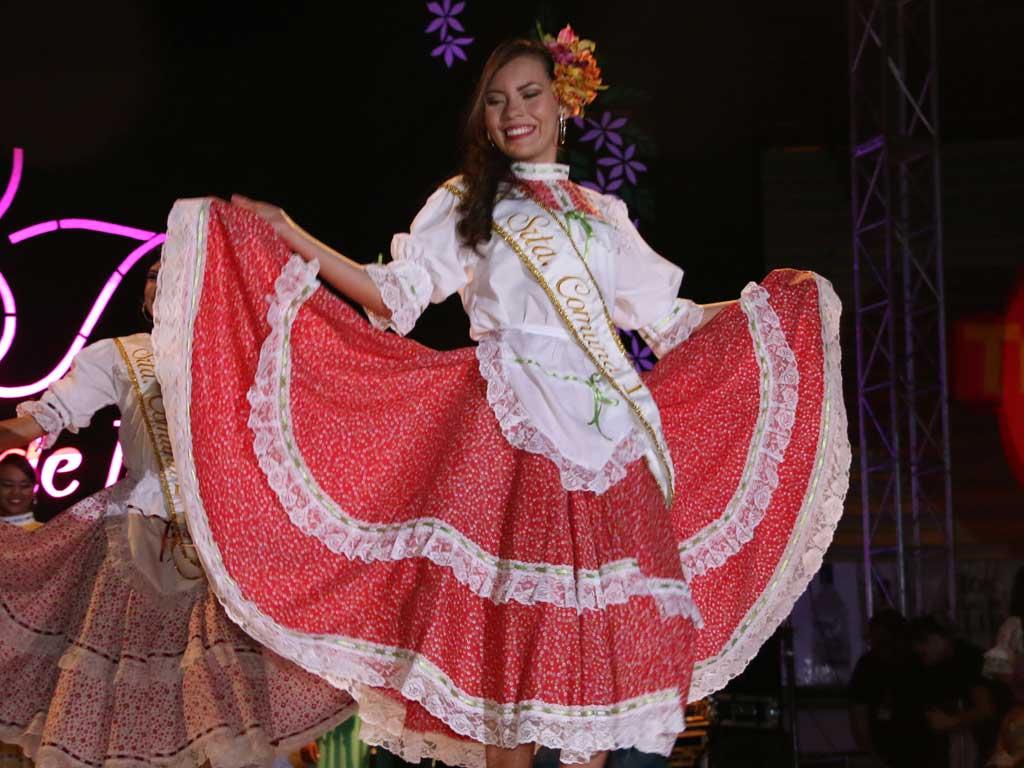 Juliana, reina chapolera 2016-2017, fomentaría el amor por la ciudad