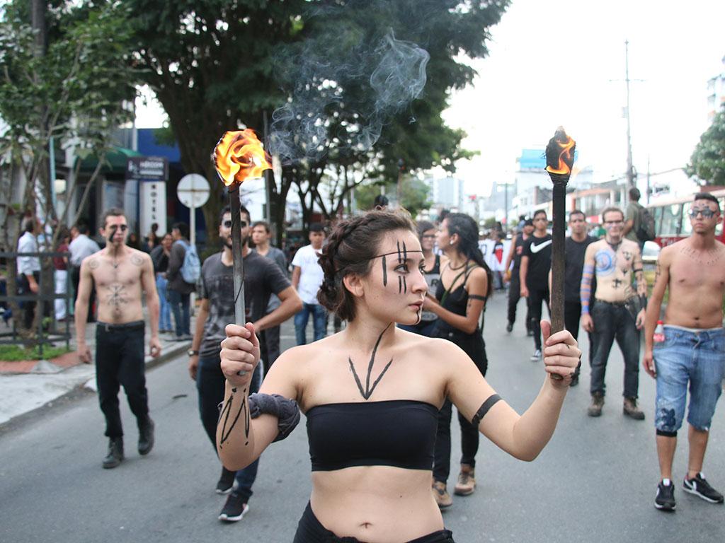 Así quedó retratada la #MarchaPorLaEducación en Armenia en el lente de LA CRÓNICA