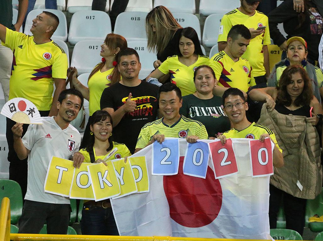 El Centenario recibió con alegría a la selección Colombia