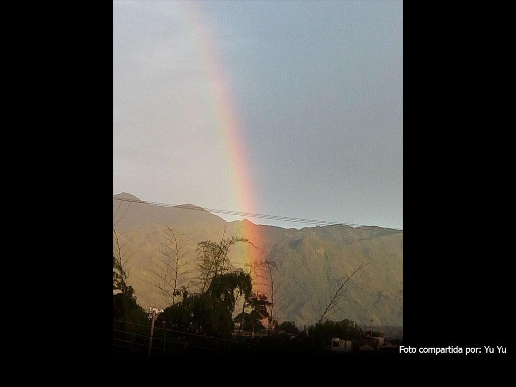 Así retrataron los quindianos el doble arcoíris del miércoles 19 de abril