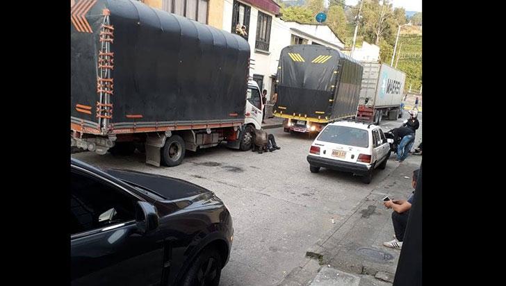 Mecánicos descomponen la convivencia en el barrio Versalles de Calarcá