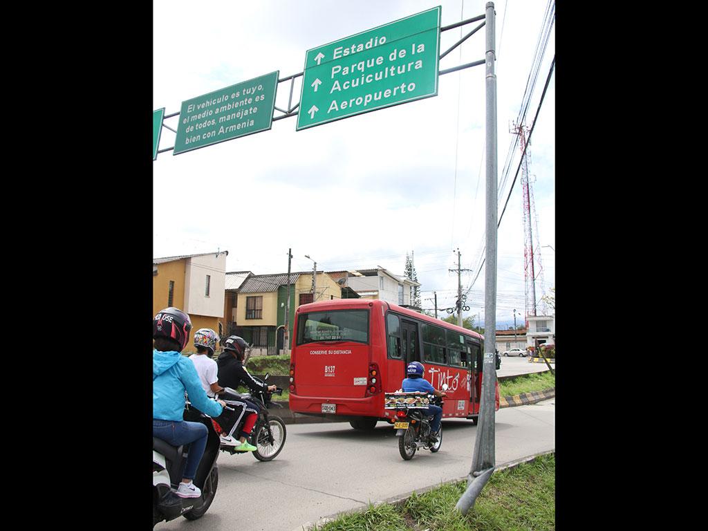 Crece el inventario de señales de tránsito dañadas