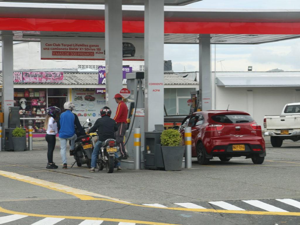Fendipetróleo dice que la normalización en el suministro de combustibles marcha como estaba previsto
