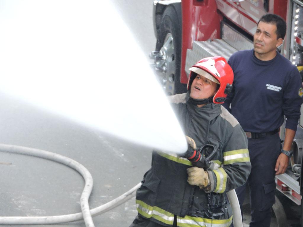 Bomberos confinaron incendio en Armenia