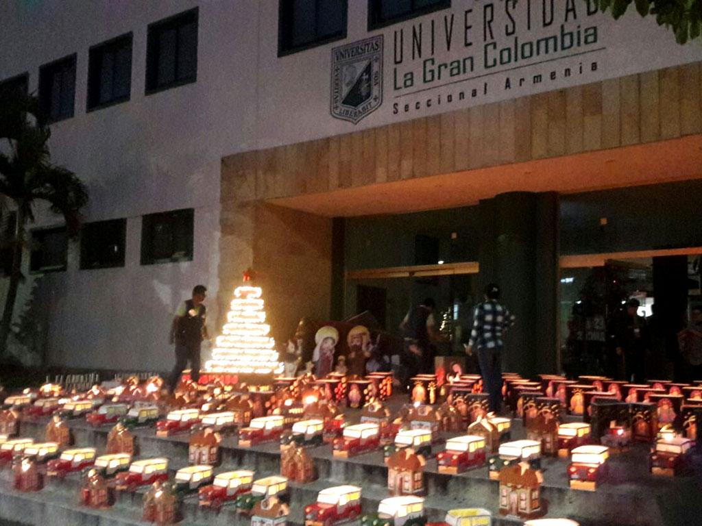El espíritu de la navidad se tomó al Quindío: Así vivieron los quindianos el día de velitas