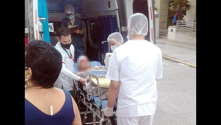 Zona hospitalaria: invasión de vendedores ambulantes, músicos y mal parqueados