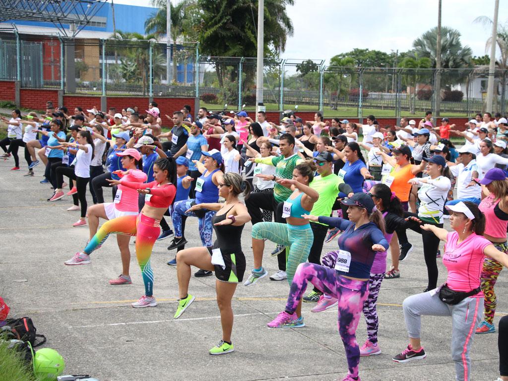 En el Eventón Hevs Cheers el público demostró amor por el deporte