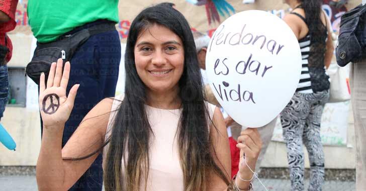 [En imágenes] Mensajes de paz en la plaza Bolívar de Armenia