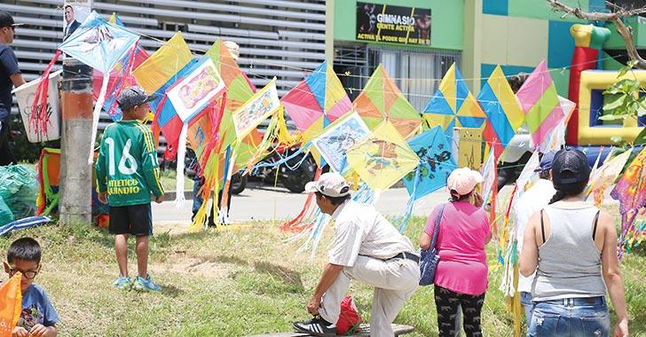 Festival de Cometas unió a cientos de familias quindianas en la Villa Olímpica