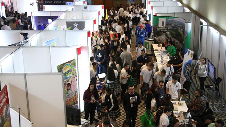 Estudiantes, padres y docentes disfrutaron del primer día de ExpoU 2019