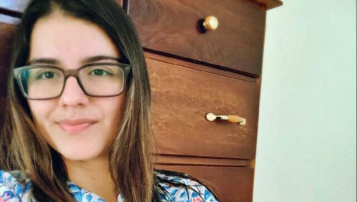 Angie Vanessa Ramírez ganó el concurso de Cabaret Literario