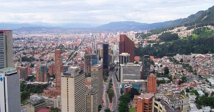 Bogotá activa plan piloto para abrir cuatro centros comerciales