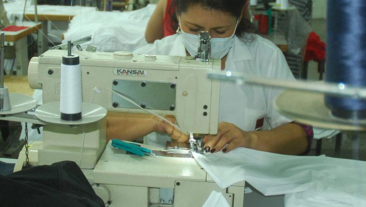 Producción manufacturera del país cae un 26,2 % en mayo por la pandemia