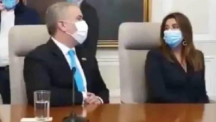 """Oposición pide a Duque que se disculpe por decirle  """"vieja"""" a senadora Avella"""