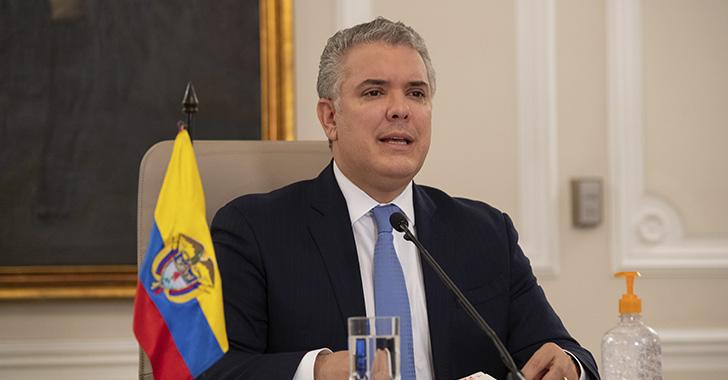 Duque insiste en reformas a la justicia colombiana tras la detención de Uribe