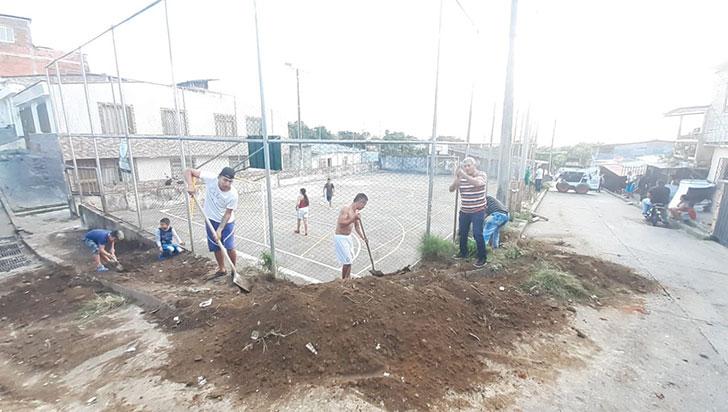 Recuperan escenario deportivo de La Miranda y Santa María