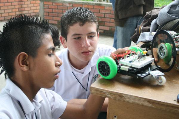 Exitoso encuentro de roboticistas en el Quindío