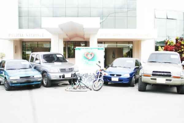 Cinco carros recuperados en acciones de policía contra el robo de vehículos