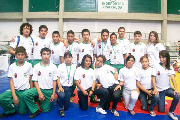 Luchadores medallistas dedicaron sus triunfos a su departamento