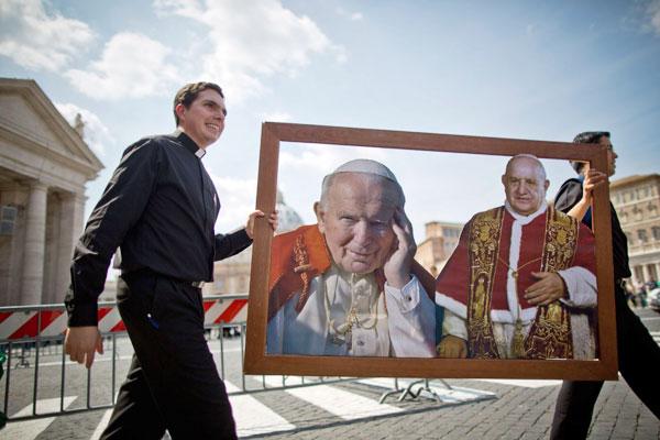 Proclamados santos Juan XXIII y  Juan Pablo II por el papa Francisco