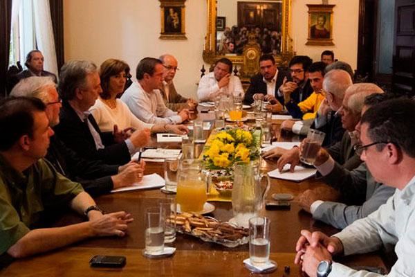 Unasur y el Vaticano aplauden la disposición de diálogo en Venezuela tras una reunión