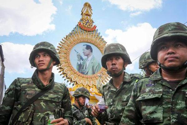 La junta militar tailandesa afianza su poder pese a la condena internacional
