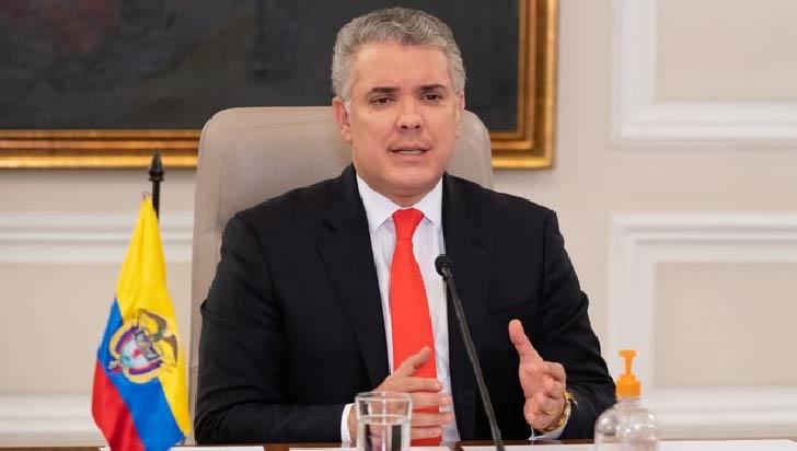 Críticas a Duque por plan de excluir de vacunación a venezolanos irregulares