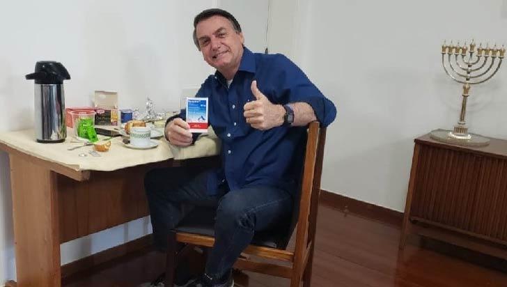 Bolsonaro dice que la mejor vacuna contra la covid-19 es el propio virus