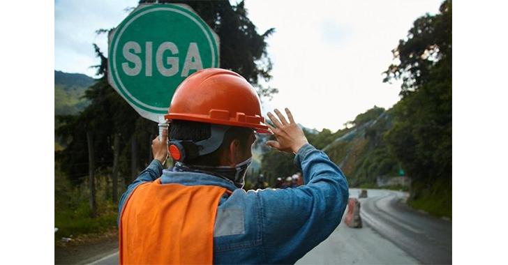 Paso a un solo carril y tráfico lento entre Calarcá – Cajamarca