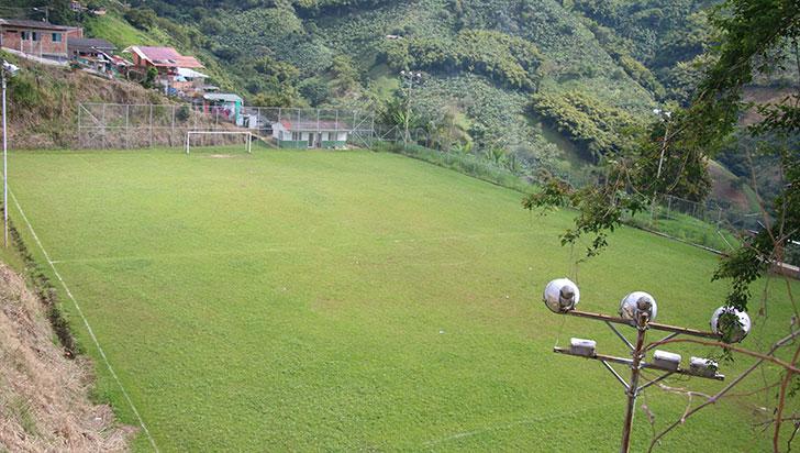 En Buenavista buscan construir un campo de fútbol más amplio