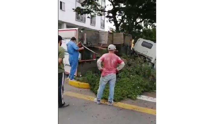 2 lesionados en accidente de tránsito en el barrio Galán de Armenia