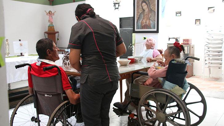 Hogares de adulto mayor enviaron listas con su población para vacunación