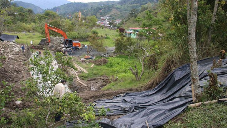 Finca en Pijao, afectada por trabajos de mitigación en el río Lejos