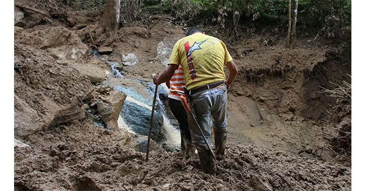 Crecida de quebrada El Perico afectó vía El Pensil-Vista Hermosa-Quebrada Negra