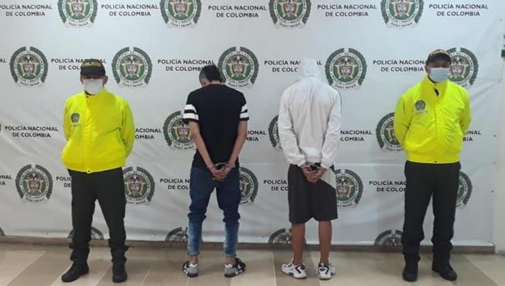 Capturados alias Cocha y Mono Árabe señalados de robar en el  barrio La Arboleda