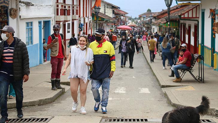 En plena alerta por tercer pico de la pandemia, el Quindío se alista para recibir a 200.000 turistas