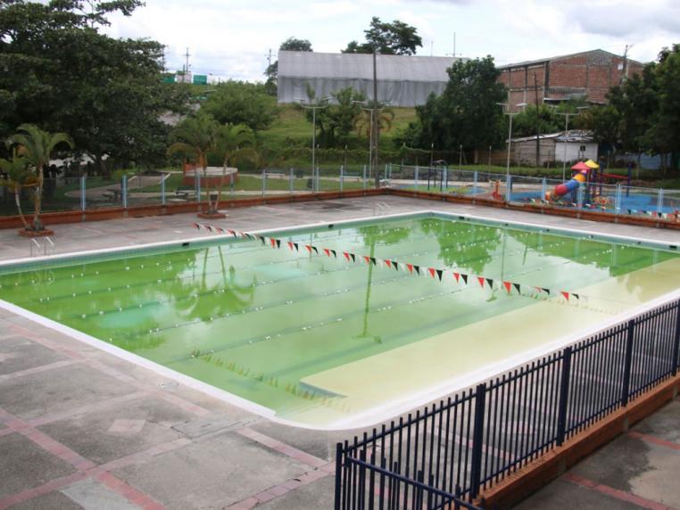 piscina-municipal-de-la-tebaida-cerrada-por-fallas-en-los-filtros