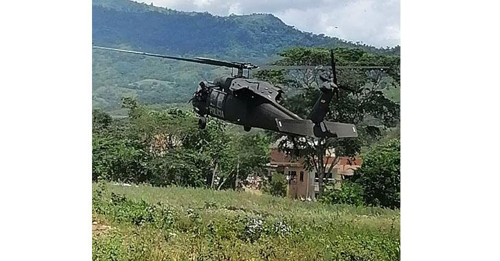 Atacan a tiros el helicóptero en el que viajaba el presidente Iván Duque