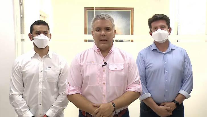 Duque sale ileso de atentado contra helicóptero presidencial colombiano