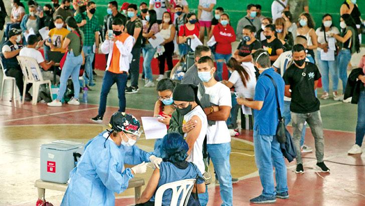 vacunacion-sin-barreras-en-pueblo-tapao