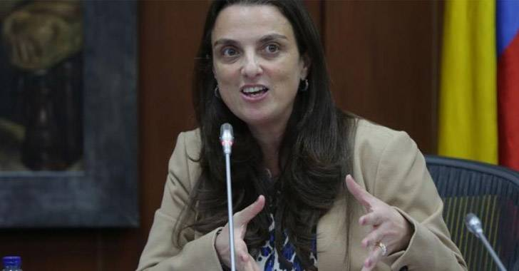 Renuncia Mintic Karen Abudinen  tras caso de corrupción en contrato millonario
