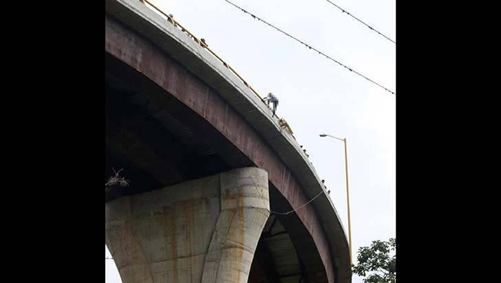 Menor de 17 años cayó del puente Helicoidal