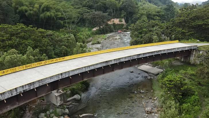 Habitantes de La Soledad se abren paso para sacar su producción agrícola