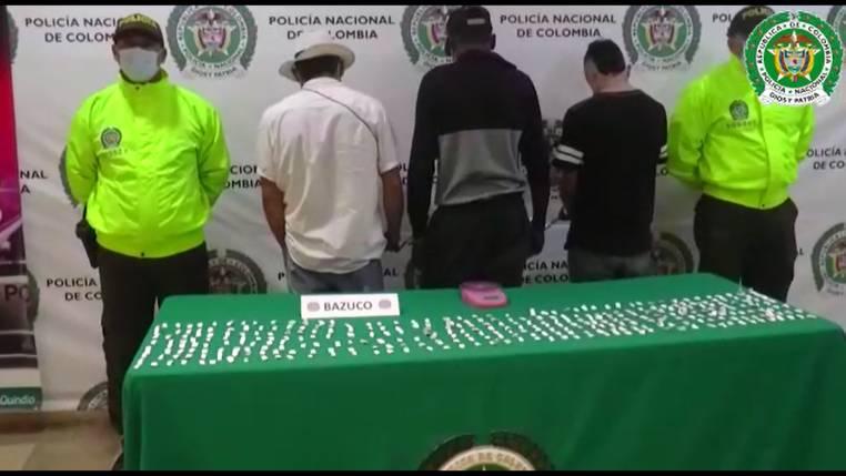 Capturados por vender drogas en el barrio 14 de Octubre