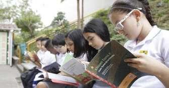 Al aire libro: lectura, poesía cuentería y trueque de obras