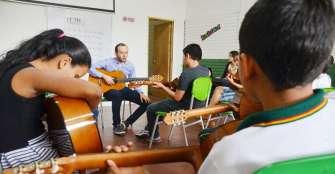 118 jóvenes se benefician con escuela de música por presupuesto participativo