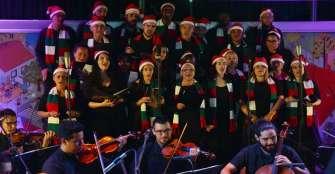 Víctimas y victimarios cantaron unidos por la reconciliación en Medellín