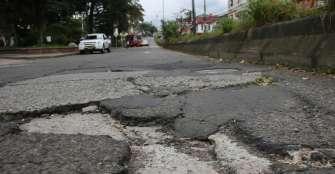 """""""En los últimos 15 años solamente se ha construido 1 km de malla vial en Armenia"""""""