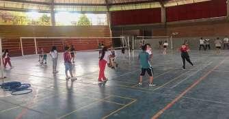 Semillero voleibol en Circasia tiene abiertas las puertas a la juventud