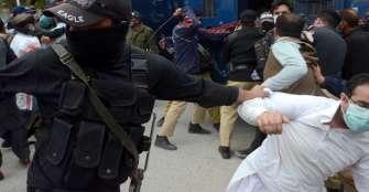 arrestados-150-mdicos-que-protestaban-por-la-falta-de-proteccin-en-pakistn